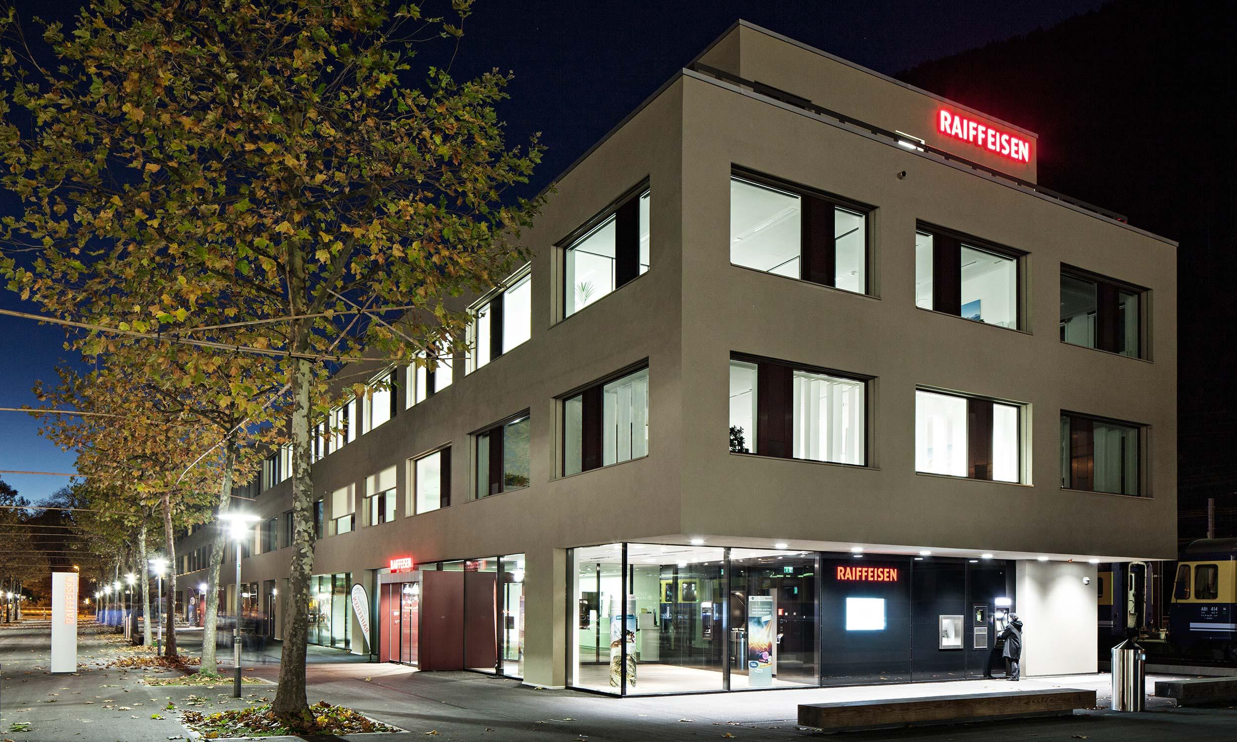 HMS Architekten AG Spiez Unterseen Raiffeisenbank Jungfrau & Jungendherberge Interlaken Ost